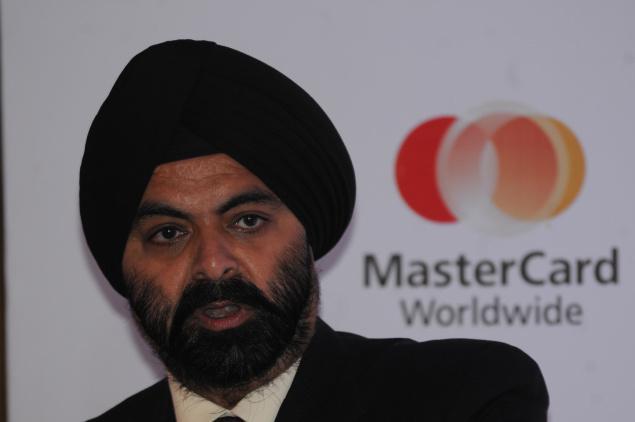 MasterCard CEO warns rivals to play fair in digital wallet wars