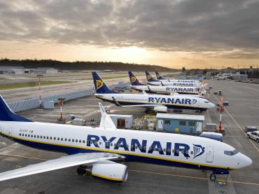 a-group-of-drunk-dancing-scots-forced-a-landing-on-a-ryanair-flight