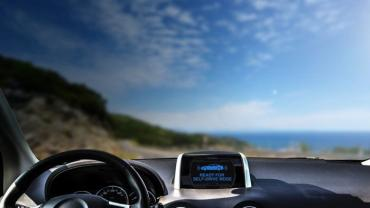 Unit4 self-driving car on coast road 700px