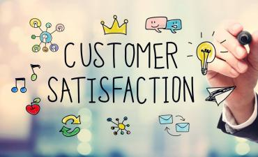 Hand drawing customer satisfaction concept © Melpomene - Fotolia.com