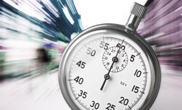 Stopwatch on speed blur street background © BillionPhotos.com - Fotolia.com