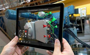 Tablet showing augmented reality service information for industrial machinery © zapp2photo - Fotolia.com