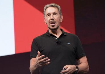 Larry Ellison on stage at oow17