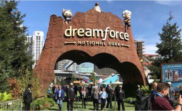 Dreamforce 2018 - How Trailhead puts Salesforce admins at
