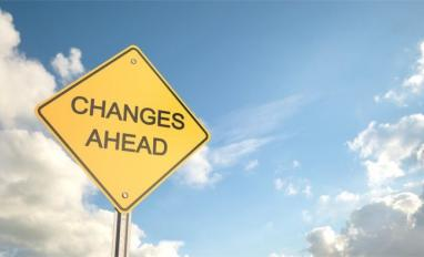 Change ahead sign with clouds in sky © bahrialtay – Fotolia.com