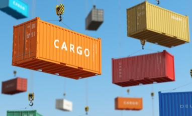 Cargo containers suspended in the air © Maksym Yemelyanov - Fotolia.com