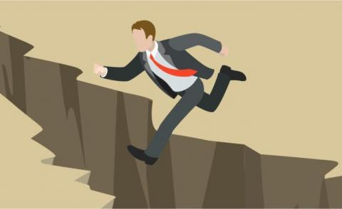 Business man jumping chasm drawing © Sentavio - Fotolia.com