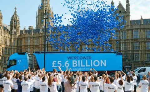 Transferwise Stop Hidden Fees release blue balloons at HoP in London