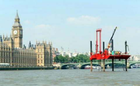Thames Water rig outside Houses of Parliament 370px