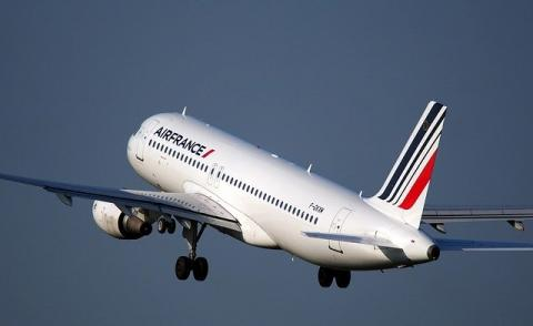 Image of an Air France plane